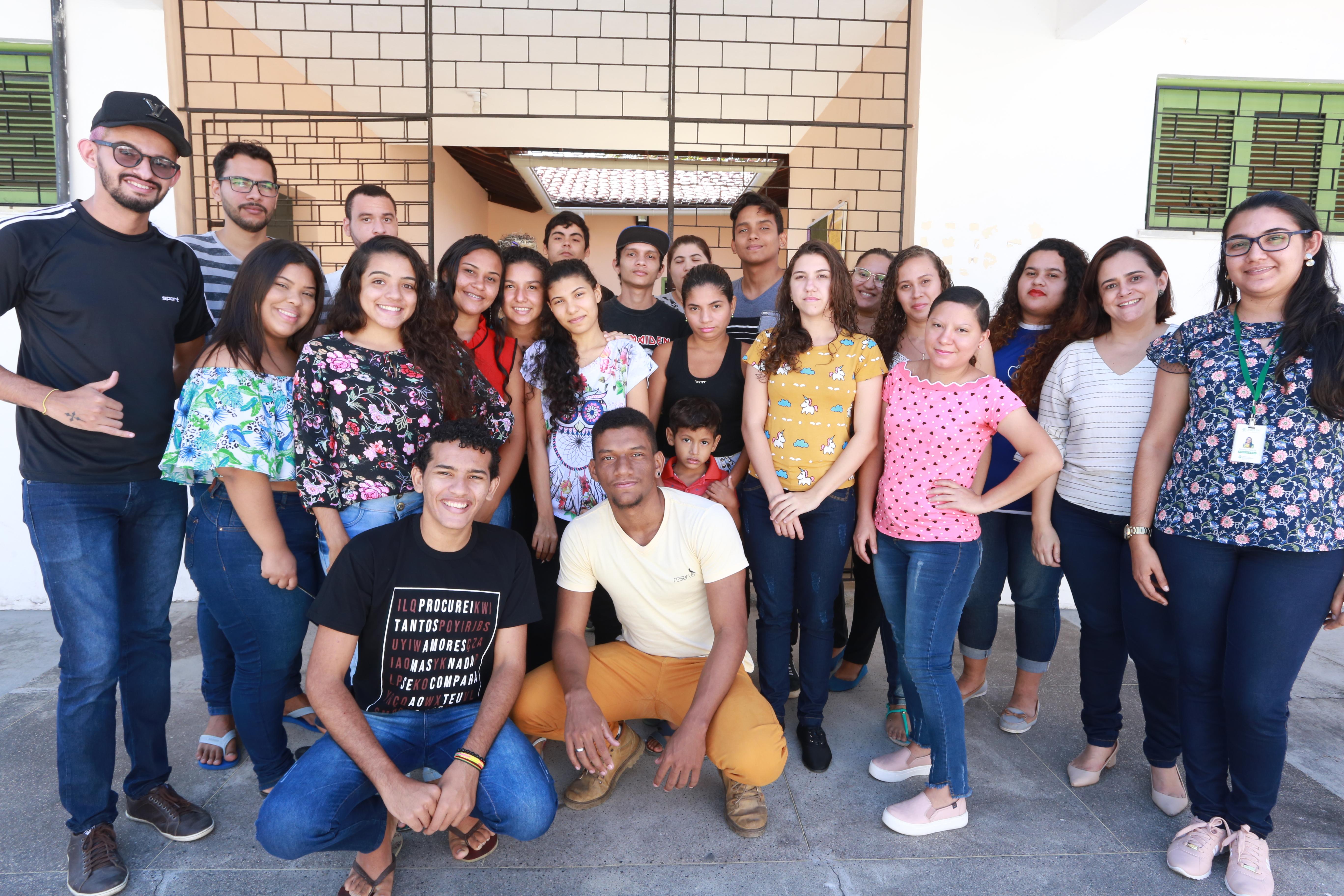 Ceará Pacífico: Casa Napaz do Curió oferta curso de doces e salgados