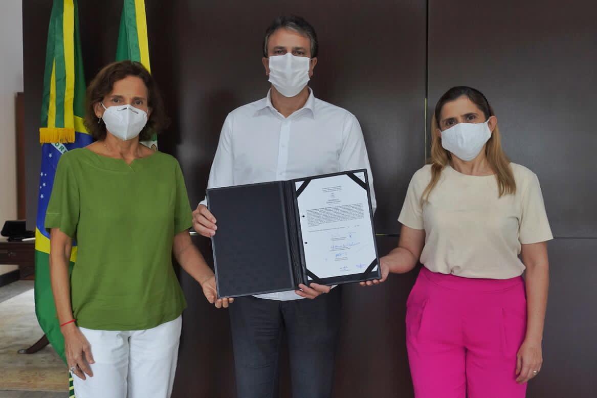 Governo do Ceará nomeia 1.250 professores aprovados no último concurso da Secretaria da Educação